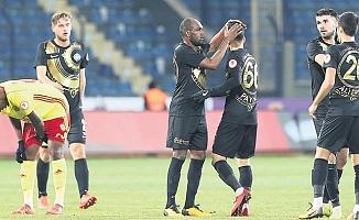 Osmanlıspor Başakşehir'e kilitlendi!