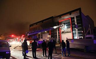 Başkentte Boya Fabrikasında Yangın