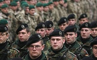 Dev ordu ölüm döşeğinde