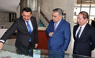 Özbek Büyükelçi Gümüşdere'yi Beğendi