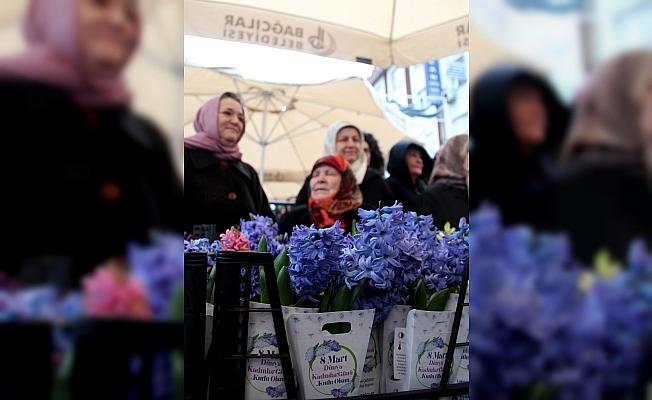 Bağcılar'da kadınlara 25 bin sümbül