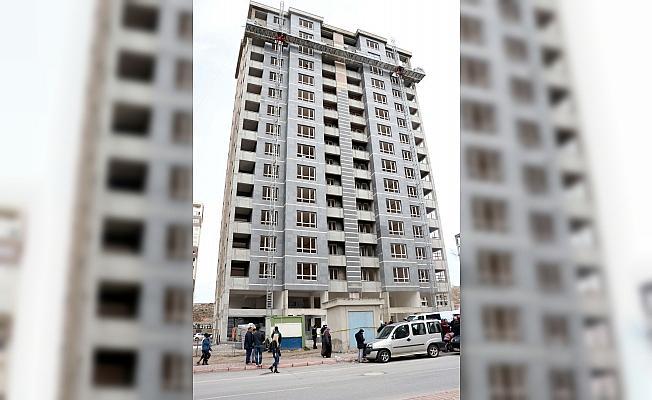 Kayseri'de iskeleden düşen inşaat işçisi öldü