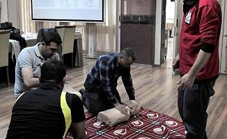 Mamak Belediyesi personeline ilk yardım eğitimi verildi