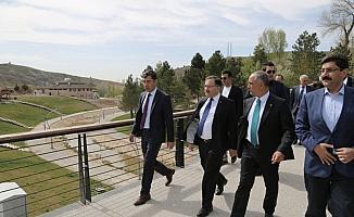 Sivas Belediye Başkanı Aydın, projeleri denetledi