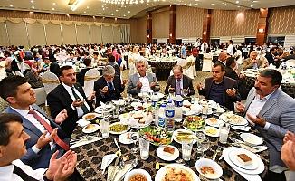 Başkan Tuna, iftarını Akyurt'ta yaptı