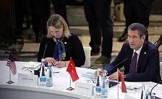 Milli Savunma Bakanı Canikli: Abhazya ve Güney Osetya meselelerinin çözüleceğine inanıyoruz