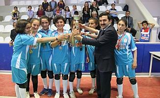 Ulaş'ta voleybol turnuvası sona erdi