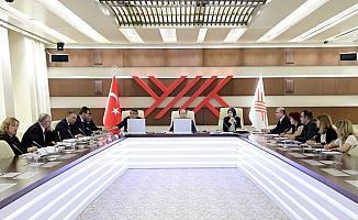 YÖK, güncellenen müfredatı DSÖ temsilcileriyle görüştü
