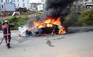 Başkent'te Araç Yangını Korkuttu