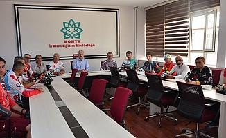 Öğretmenler 15 Temmuz şehitleri için Konya'dan İstanbul'a pedal çevirecek
