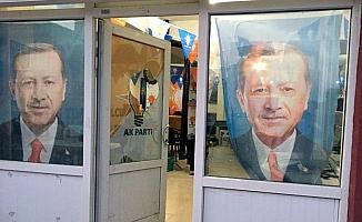 AK Parti Mahmudiye İlçe Başkanlığı binasına taşlı saldırı