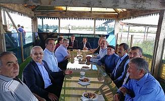 Ulaş'ta protokol ve ilçe halkı bayramlaştı