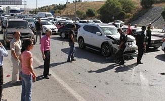 Ankara'da 17 araç birbirine girdi