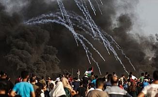 İsrail askerleri Gazze'de bir Filistinliyi şehit etti, 21'ini yaraladı