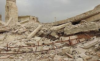 ABD öncülüğündeki koalisyon Deyrizor'da yine cami vurdu: 7 ölü