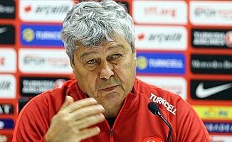 A Milli Futbol Takımı Teknik Direktörü Lucescu: Umuyorum ki yarın iyi bir sonuç elde edeceğiz
