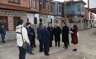 AK Partili milletvekilleri Hamamarkası'nda
