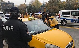 Başkentte taksi şoförü aracında ölü bulundu
