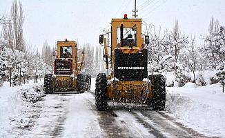 Niğde'de karla mücadele