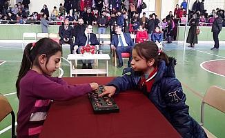 Karakeçili'de mangala oyunu turnuvası düzenlendi