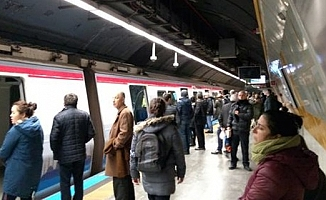 Metro'da İntihar!