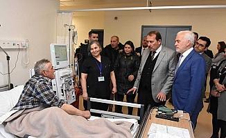 AK Parti MKYK Üyesi Karacan'dan Şehir Hastanesine ziyaret