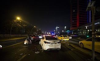 Başkentte zincirleme trafik kazası: 1 yaralı