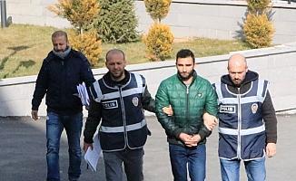 Camilerden sadaka kutularını çaldığı ileri sürülen şüpheli yakalandı