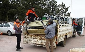 Çubuk Belediyesi'nden okul ve camilere destek