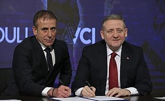 Medipol Başakşehir, Abdullah Avcı'nın sözleşmesini 5 yıl uzattı