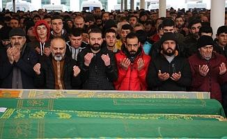 Yangında Ölen İki Suriyeli Karşıyaka'da Defnedildi