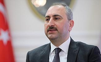 Adalet Bakanı Gül: FETÖ'nün inkar stratejisi üst aklın taktiği