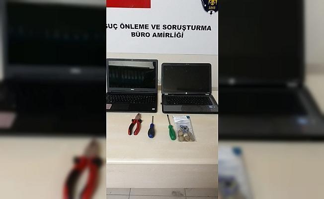 Camiden yardım parasını çalan hırsızlar yakalandı