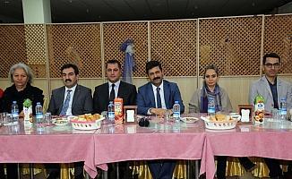Pektaş, belediye başkan adaylarına yemek verdi