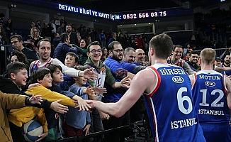 Anadolu Efes'in play-off biletleri satışta