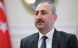 Bakan Gül: Hile ve kumpaslarla hukuku çiğneyenlerin Türk yargısında yeri yoktur