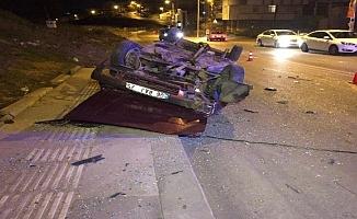 """Başkent'te """"dur"""" ihtarına uymadı:Takla attı: 5 yaralı"""