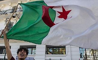 Cezayir'de muhalefetten yeni yol haritası