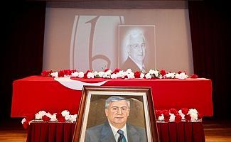 Eski Hacettepe Üniversitesi Rektörü Tunçalp Özgen için cenaze töreni