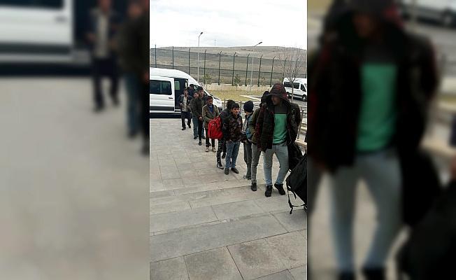 Kayseri'de 13 düzensiz göçmen yakalandı