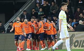 Medipol Başakşehir Fenerbahçe'yi mağlup etti