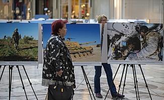 MSB ve AA'nın Zeytin Dalı Harekatı fotoğrafları metro vagonlarında