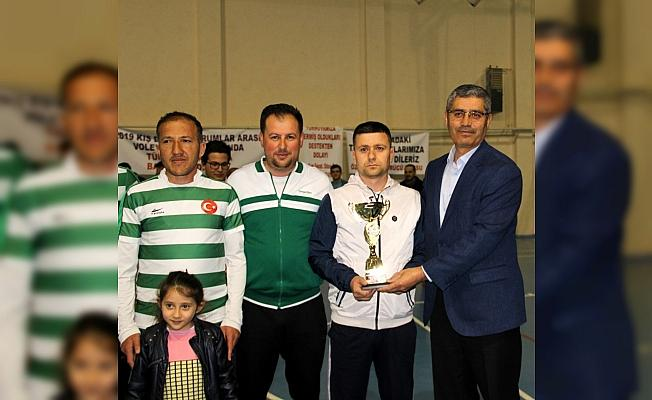 Suşehri'nde kurumlar arası voleybol turnuvası