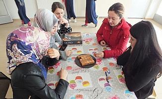 Ulaş'ta öğretmenler zeka oyunlarını öğreniyor