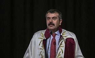 Ankara Hacı Bayram Veli Üniversitesi ilk mezunlarını verdi