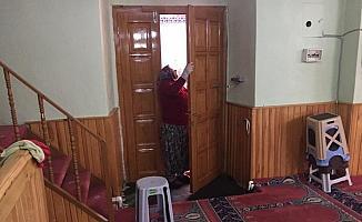Beypazarı'nda camilerde temizlik çalışması başlatıldı