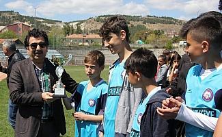 Beypazarı'nda okullar arası voleybol ve futbol turnuvası