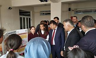 Derebucak'ta TÜBİTAK 4006 Bilim Fuarı açıldı