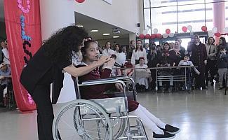 Otizmli ve serebral palsi hastası öğrencilerin 23 Nisan coşkusu