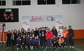 Zara'da voleybol turnuvası